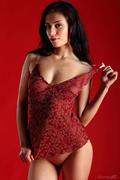 http://img141.imagevenue.com/loc109/th_709901934_Stunning_Red_Gallery_Marina_H_medium_0001_123_109lo.jpg
