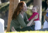 th 90564 marcia cross twins swing 06 122 143lo - Desperate Housewives