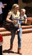 http://img141.imagevenue.com/loc340/th_455234824_Hilary_Duff_out_and_about_Beverly_Hills5_122_340lo.jpg