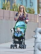 http://img141.imagevenue.com/loc560/th_336910386_Hilary_Duff_Out_in_LA2_122_560lo.jpg