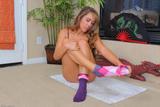 Ella - footfetish 205v6d0n62e.jpg