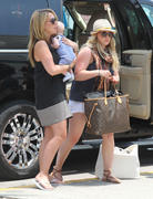 http://img141.imagevenue.com/loc6/th_055449375_Hilary_Duff_and_Family_at_The_Airport_in_Cabo_San_Lucas6_122_6lo.jpg
